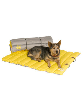 Kakadu Pet Adventure Mat in Smoke Zest